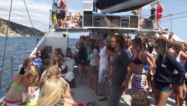 Musica-y-fiesta-en-el-mar