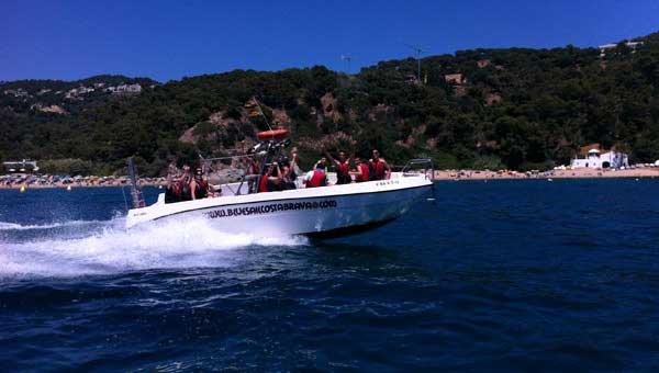 Visitar-calas-Costa-Brava-con-BlueSail